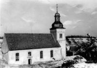 13_Alte Außenansicht der St. Nikolauskirche (heute Kapelle) vor dem Teilabbruch (Verkürzung des Langhauses), der wegen des Neubaus der heutigen Pfarrkirche (1959) notwendig geworden war.