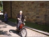 21_Mopedfahren ohne Helm - mit Erlaubnis der Polizei